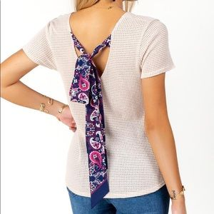 Medium Francesca's Scarf-Back Twist Front Tee NWT